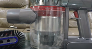 How to empty a Dyson vacuum cleaner