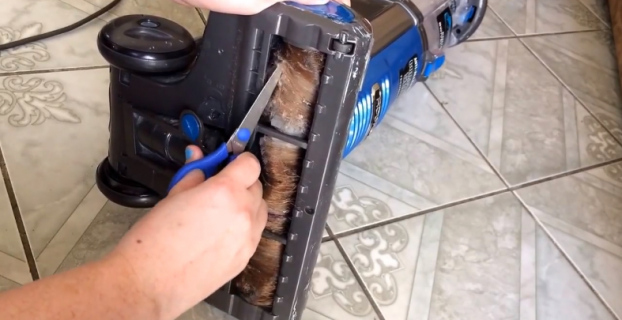 How to Get Hair Out of Vacuum Brush